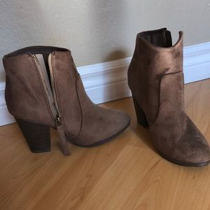 Tan Suede Booties!